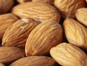 アーモンドはビタミンEの抗酸化作用がある