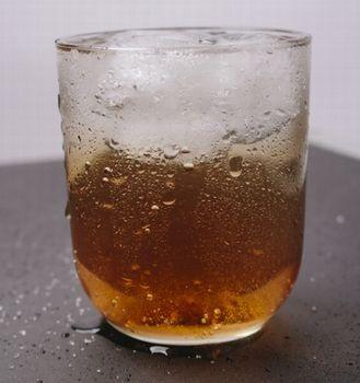 コップに水滴が付くのはなぜ?